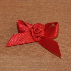Fiocco con rosellina rossa